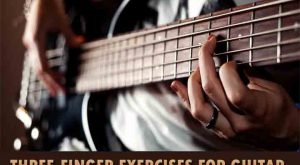 The bass guitar player play exercises